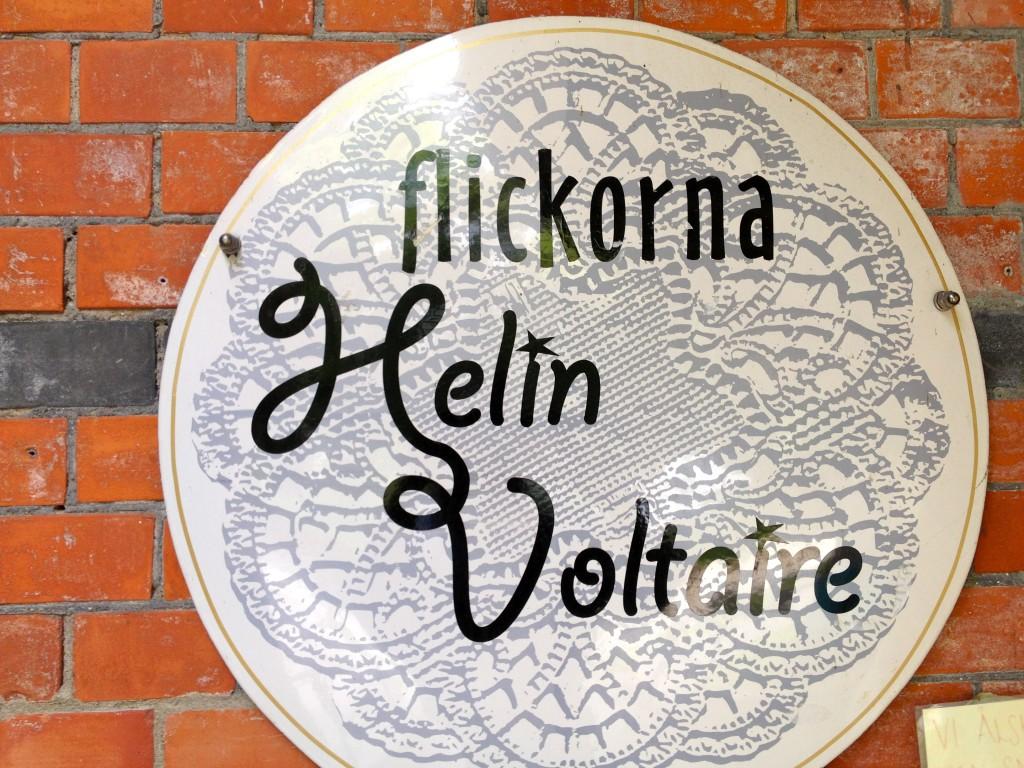 Robbans bästa besöker: Flickorna Helin Voltaire