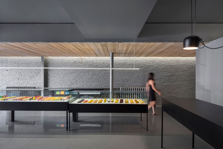 A-la-folie-patisserie-by-Atelier-Moderno-Montreal-Canada-03