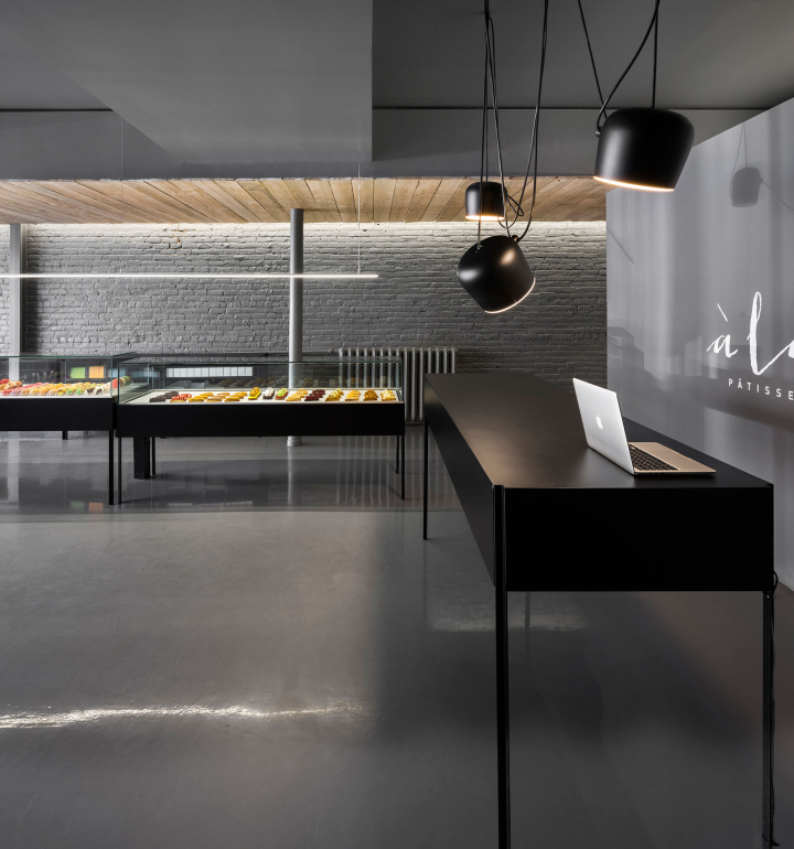 A-la-folie-patisserie-by-Atelier-Moderno-Montreal-Canada-05