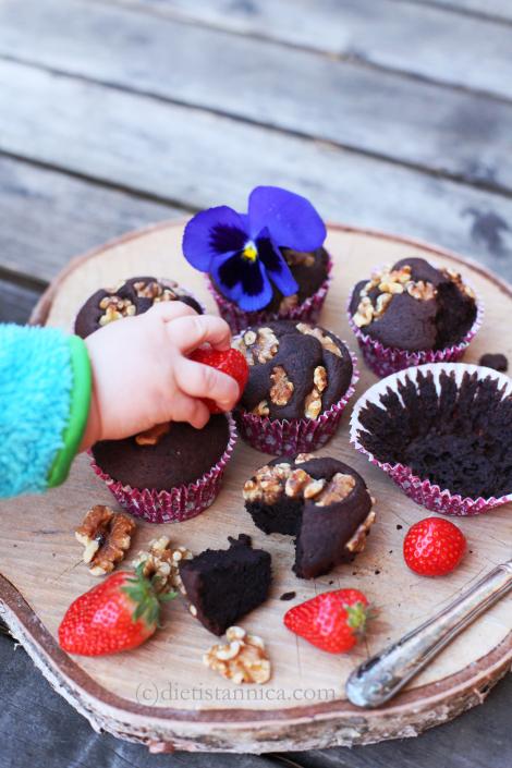 black-bean-brownie-muffins-8-log