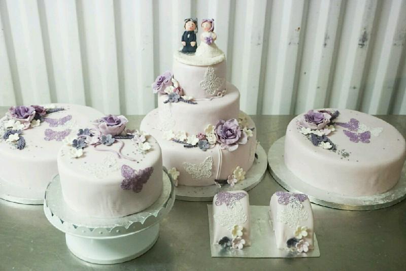 Bröllopstårtaedited