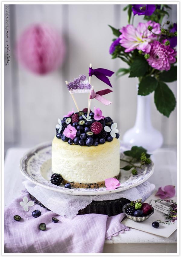 frau-herzblut-geburtstag-blueberry-hill-cheesecake-new-york-blaubeeren-sommer-beeren-originalcheesecake