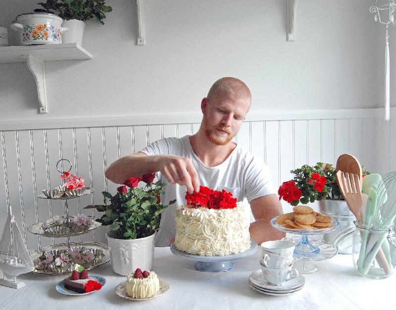 """Möt Peter """"Hela Sverige Bakar"""" Dahlberg på Kumlins konditori"""