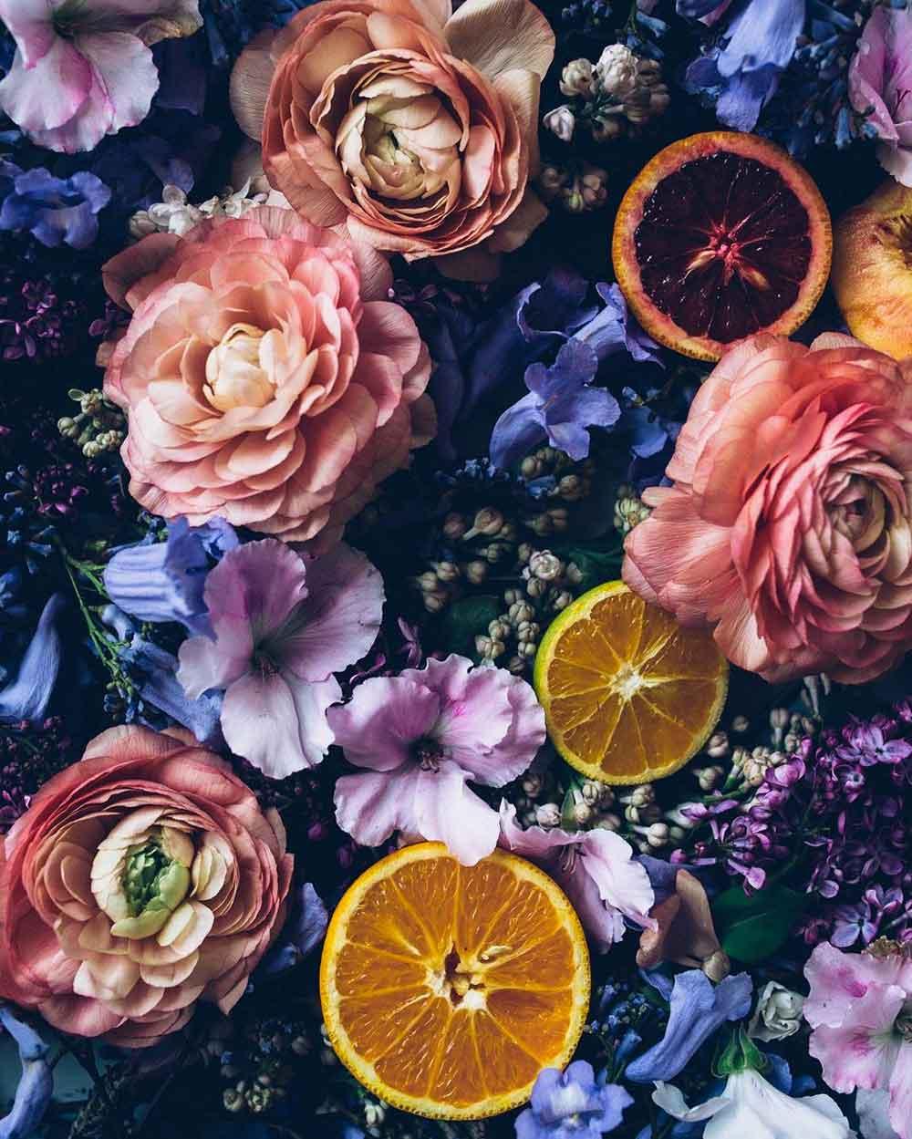 Blommor och bakverk = sant