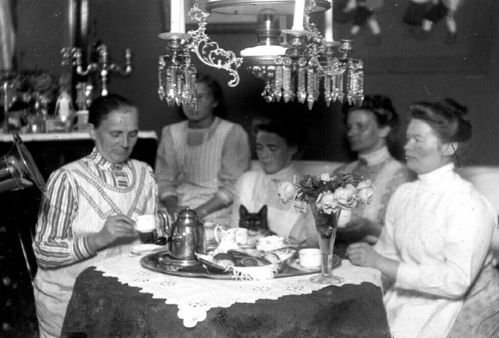 Kvinnans plats – drömkafé på Järntorget